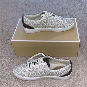 michael kors catelyn mini MK logo shoes